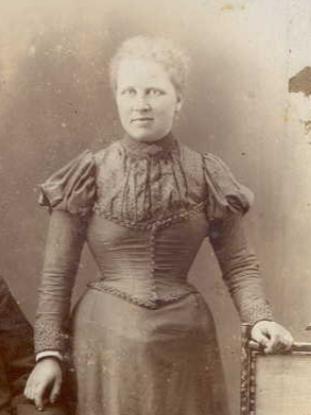 Lizzie Smith.
